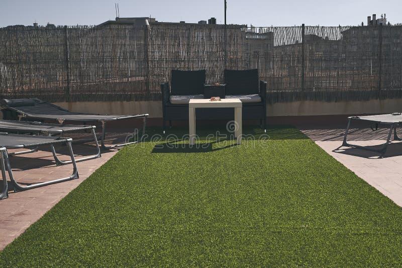 Мебель террасы в Барселоне r стоковое изображение