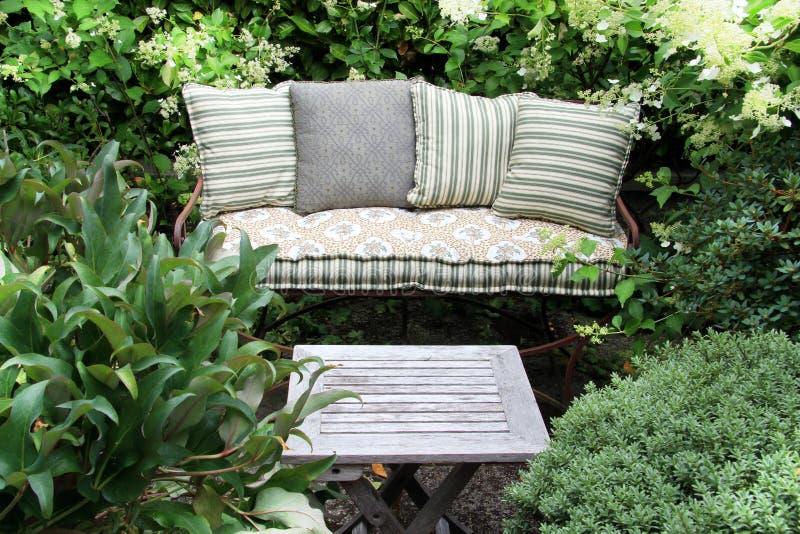 Мебель сада стоковые изображения rf