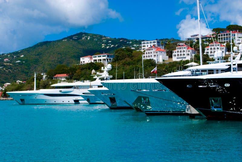 Мега яхты в St. Thomas стоковое изображение