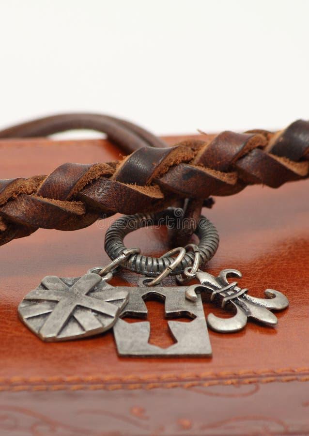 Медальоны и кожа стоковые фотографии rf