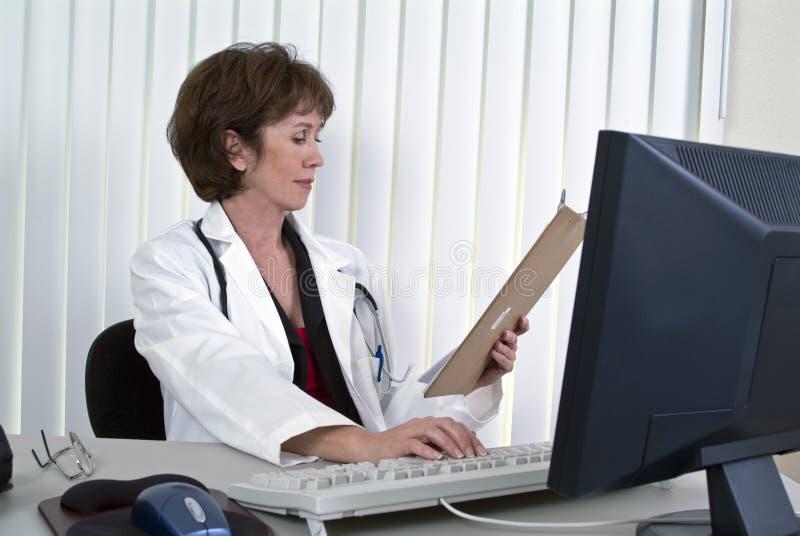 медицинский рапорт стоковые фотографии rf