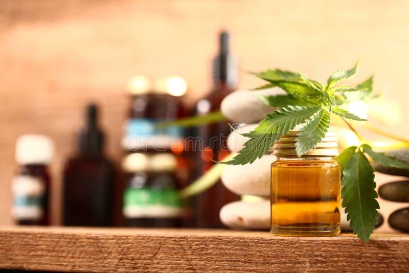 Медицинское масло cbd конопли марихуаны стоковое изображение rf