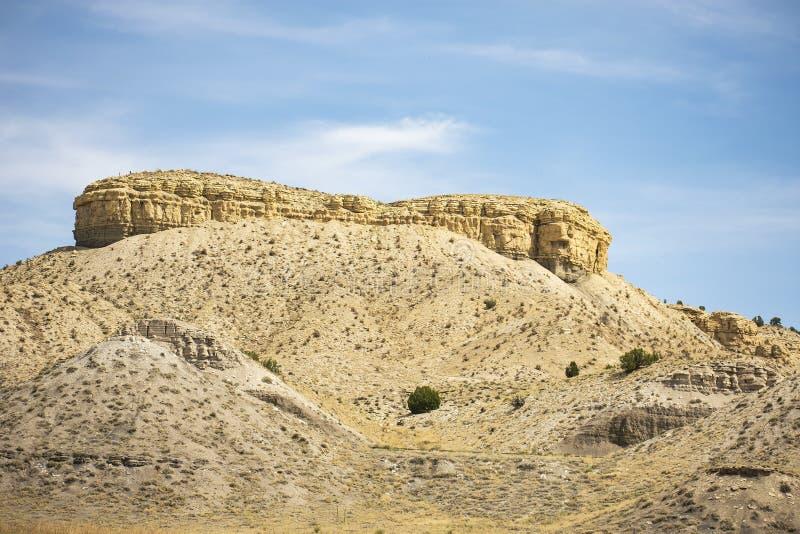 Меза против голубого неба Колорадо стоковое изображение rf