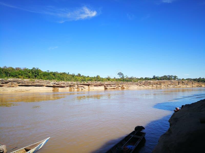 Меконг отделяет Таиланд и Лаос стоковая фотография rf
