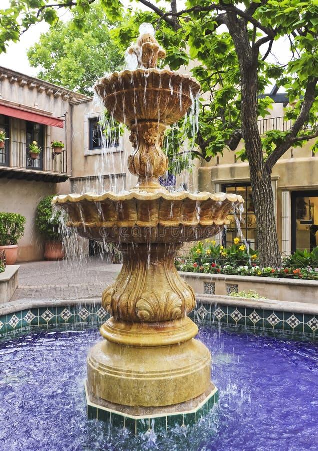 мексиканец фонтана двора симпатичный стоковые изображения