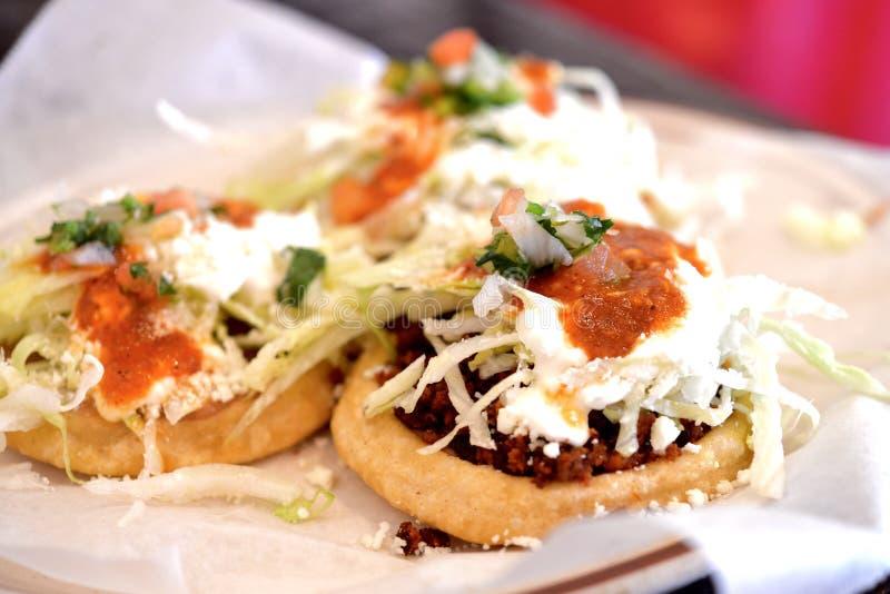 Мексиканец Sopes комбинированное стоковое изображение rf
