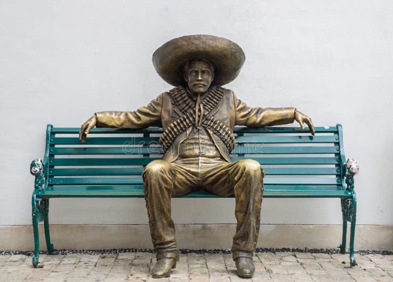 Мексиканская статуя человека стоковое изображение