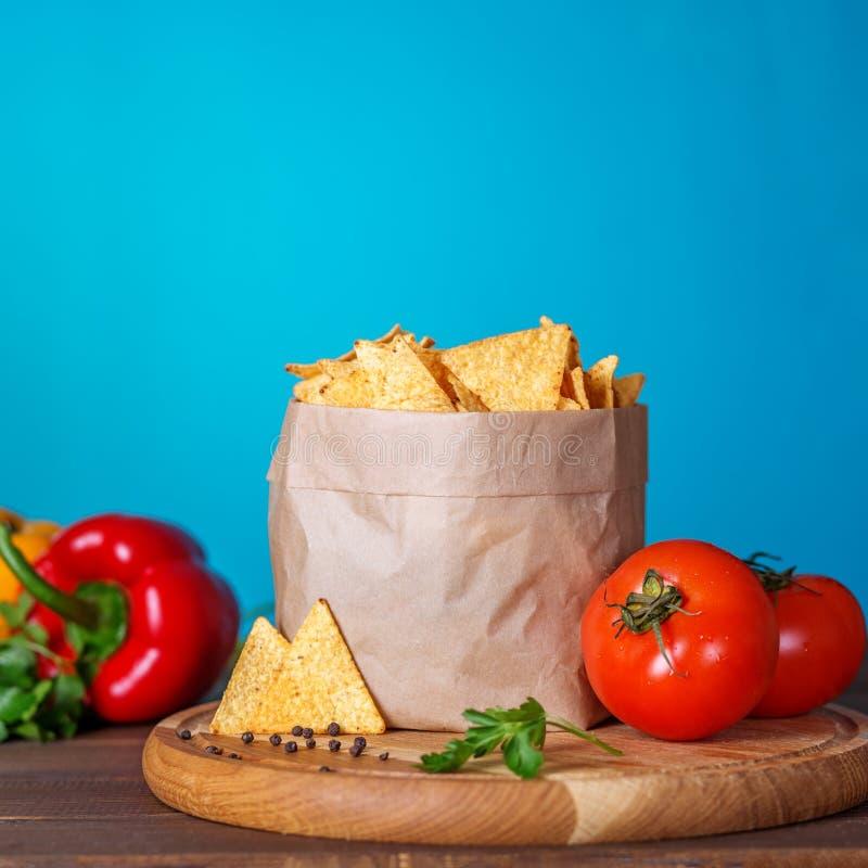 Мексиканские обломоки nachos Концепция еды и очень вкусных закусок стоковая фотография