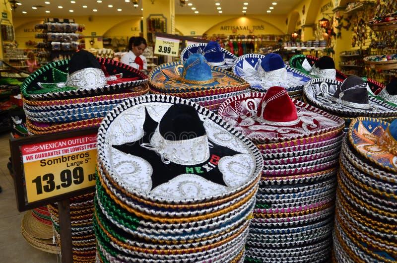 Мексиканские sombreros в сувенирном магазине стоковое изображение