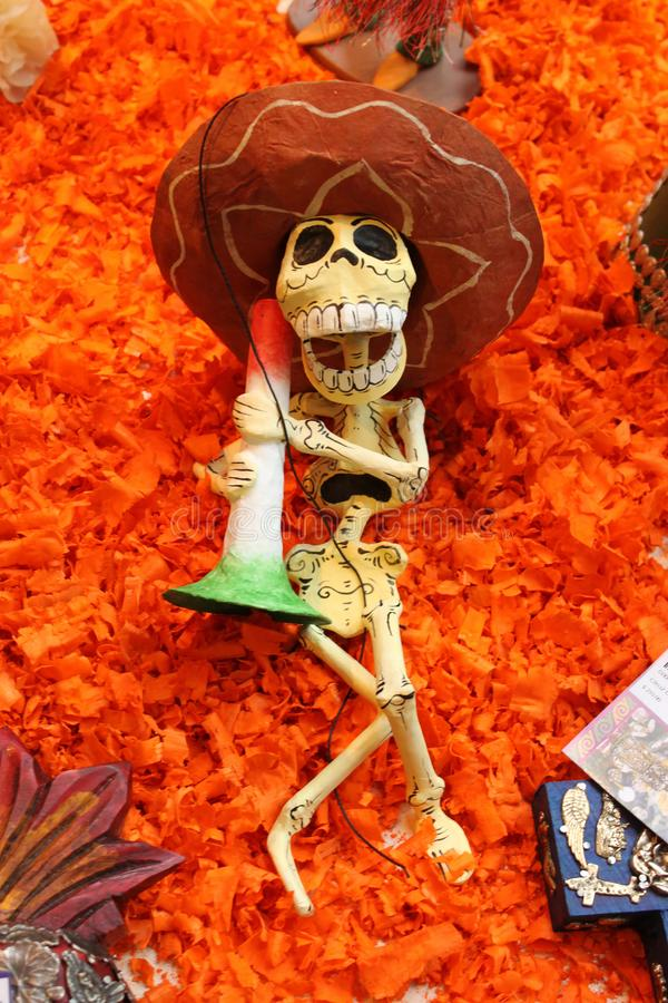 Мексиканский смешной скелет черепов, день dias de los muertos смерти мертвой стоковые фотографии rf