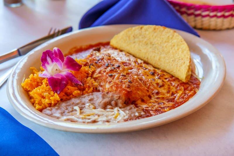 Мексиканское тако энчилада тамале стоковая фотография rf