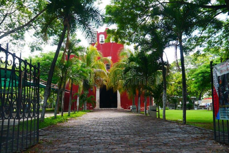 Мексиканское historia архитектуры Мериды Churbunacolonial церков стоковые фото