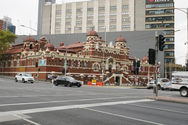 МЕЛЬБУРН, АВСТРАЛИЯ, апрель 2019 года. Персоналии:Бат в общественном центре, недалеко от рынка Виктория стоковые изображения