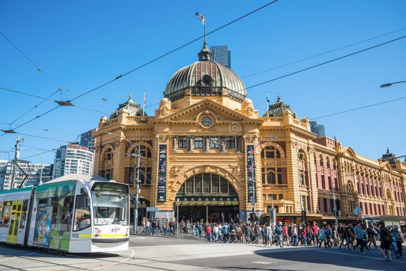 Мельбурн, АВСТРАЛИЯ - 19-ОЕ МАРТА 2015: Станция улицы щепок иконический ориентир в центре города Мельбурна, Австралии стоковая фотография rf