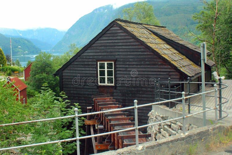 Мельница Skeie в Ulvik, Норвегии стоковая фотография