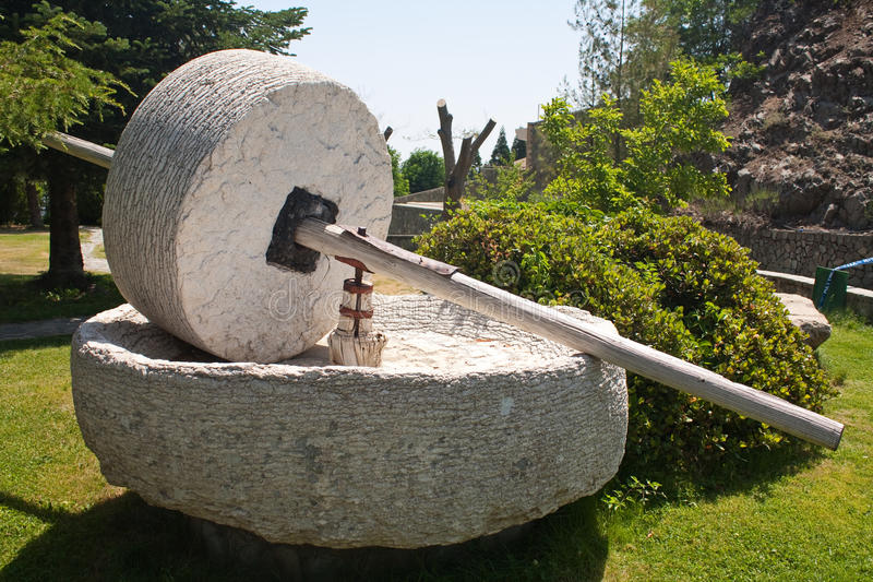 Меля камень стоковая фотография rf