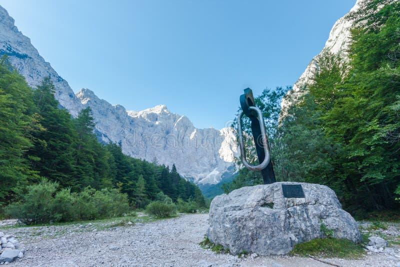 Мемориал к партизанам альпиниста стоковые фотографии rf