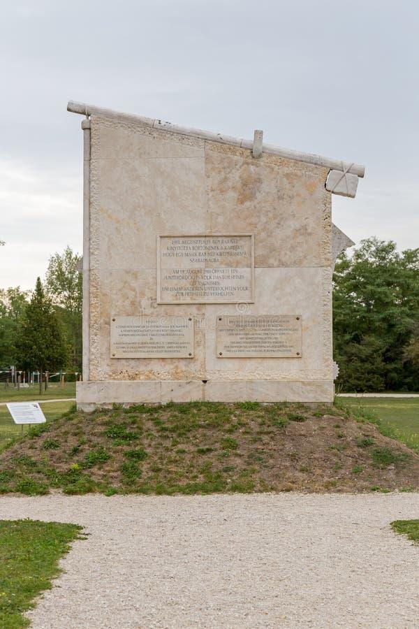 Мемориал мира переворот, памятник к все- европейскому пикнику 1989 на St Margarethen, Бургенланде, озере Neusiedl стоковое фото rf