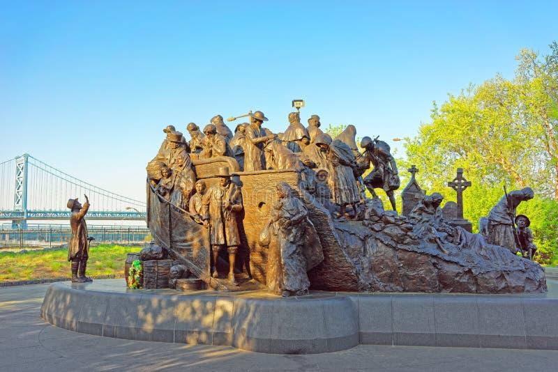 Мемориал к ирландскому голоду на посадке Penns в Филадельфии стоковое фото rf