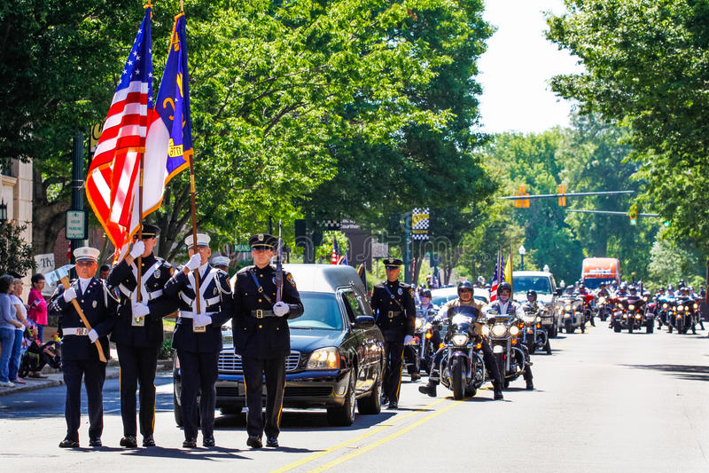 Мемориальный парад для u S Солдат убитый в действии стоковая фотография rf