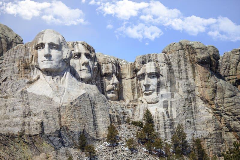 Мемориал Mount Rushmore национальный с облаками стоковые изображения rf