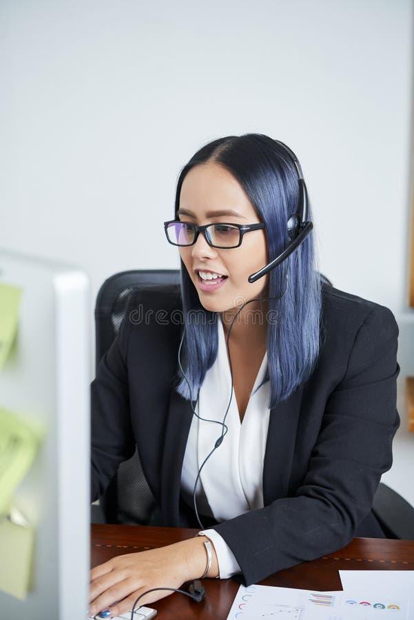 Менеджер центра телефонного обслуживания стоковые фотографии rf