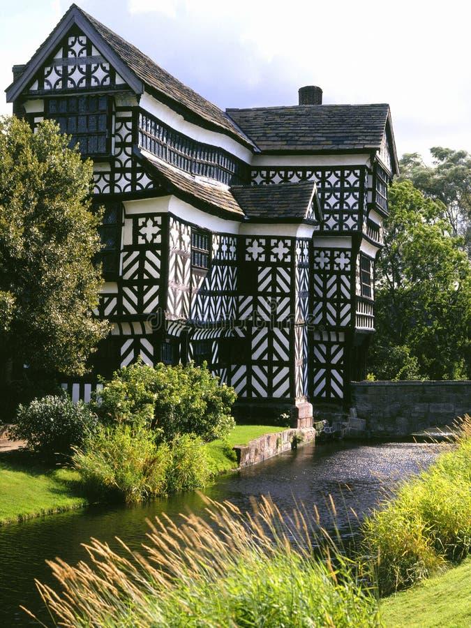 Меньшее Moreton Hall - Англия стоковые изображения