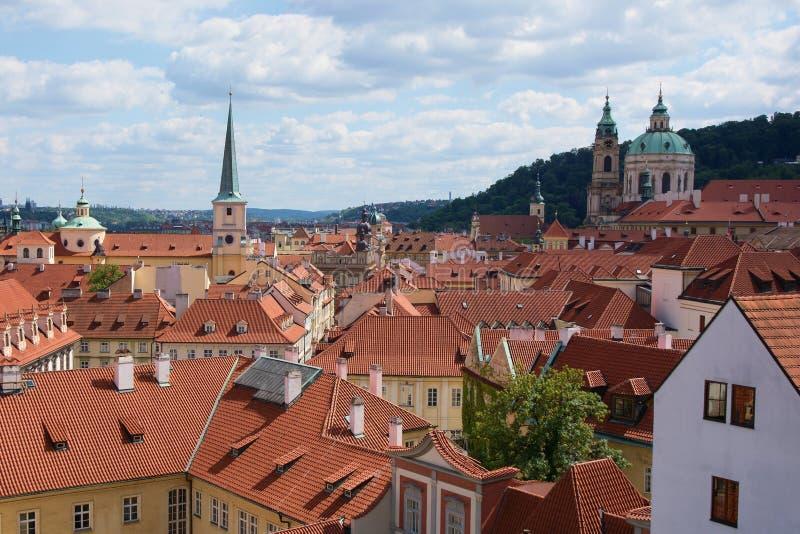 Меньшие крыши городка, Прага, чехия стоковые изображения rf