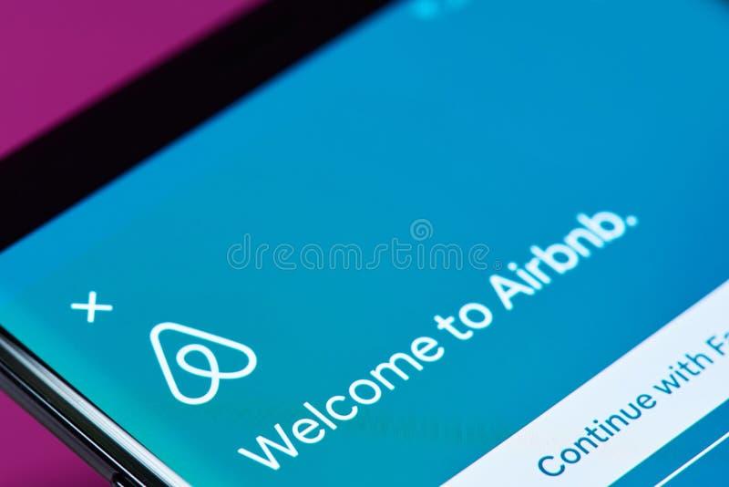 Меню app книги перемещения Airbnb стоковая фотография rf