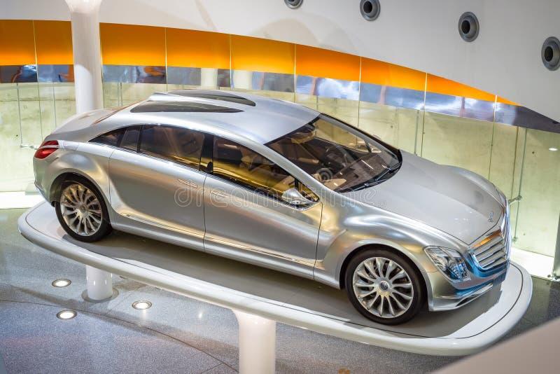 Мерседес-Benz F700 автомобиля концепции, 2007 стоковые изображения rf