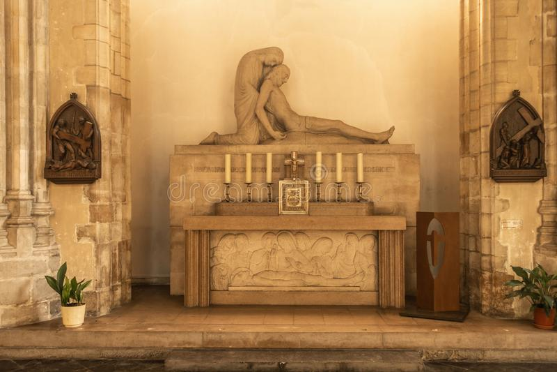 Мертвая статуя Иисуса в церков Eloi Святого, Дюнкерке Франции стоковая фотография rf