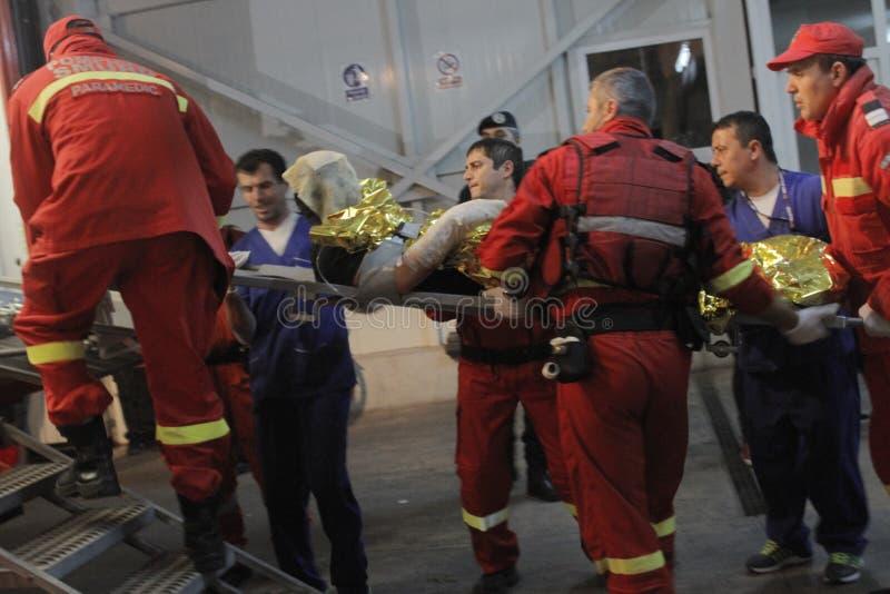 27 мертвых в огне ночного клуба Бухареста Colectiv стоковая фотография rf