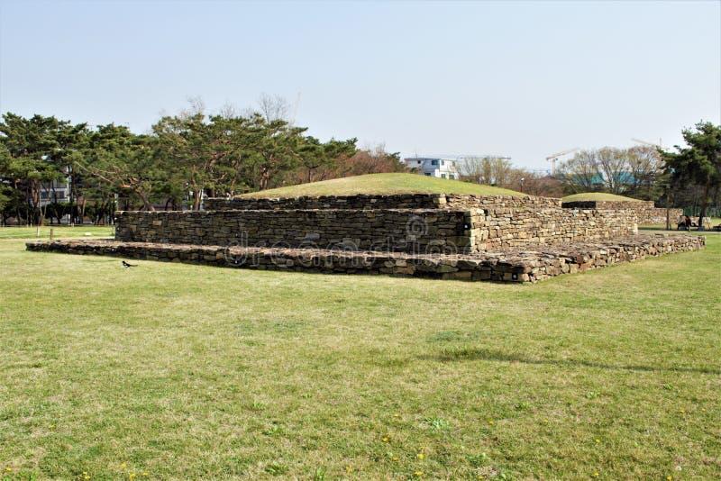 Места захоронения Baekje в Seokchon, Сеуле, Корее стоковая фотография
