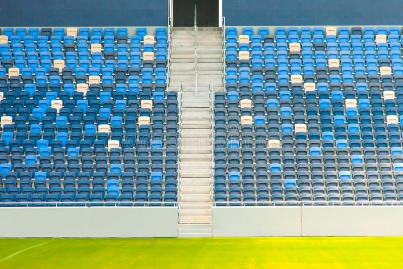 Места и трава стадиона стоковое изображение