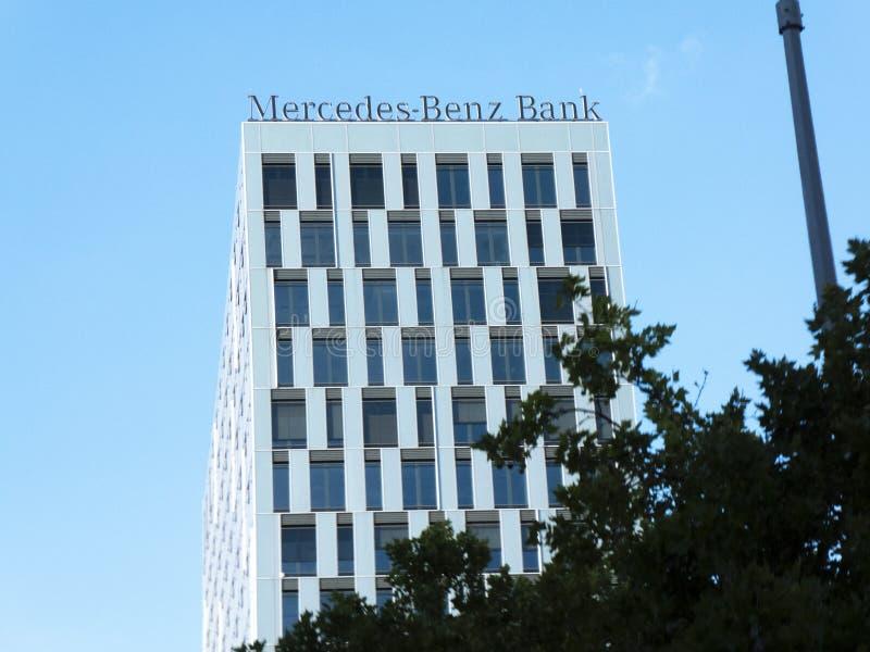 Место банка Мерседес-Benz в Берлине стоковая фотография rf