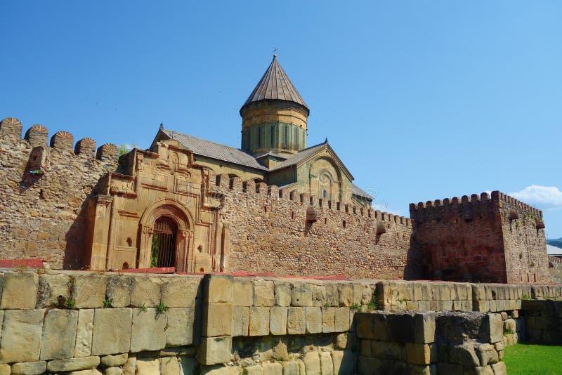 Место всемирного наследия ЮНЕСКО собора Svetitskhoveli правоверное в Mtskheta, Georgia стоковые фотографии rf