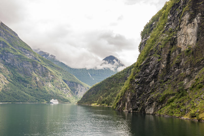 Место всемирного наследия ЮНЕСКО фьорда Geiranger стоковое фото