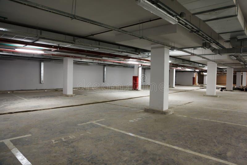 место для парковки здания стоковые изображения rf