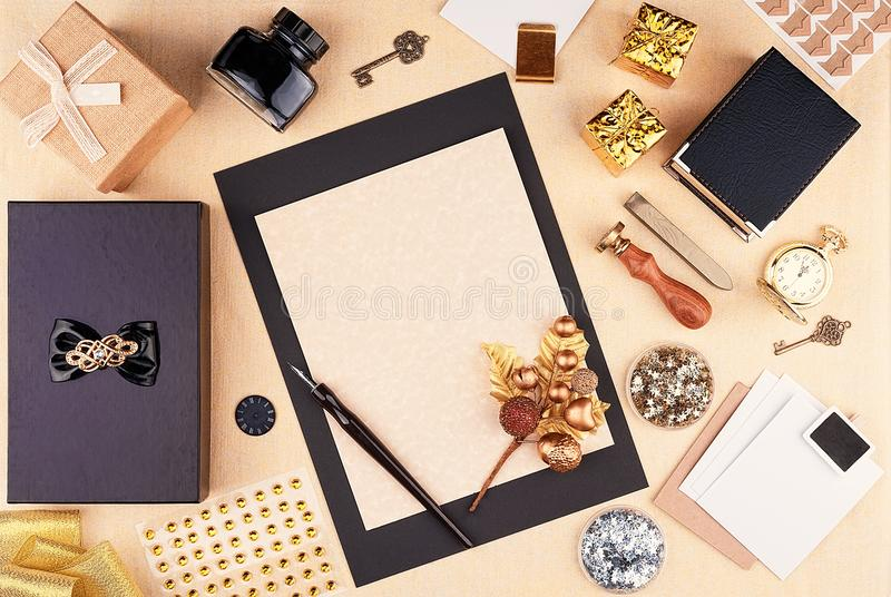 Место для работы поздравительной открытки шаблона с праздниками рождества и Нового Года стоковое фото rf