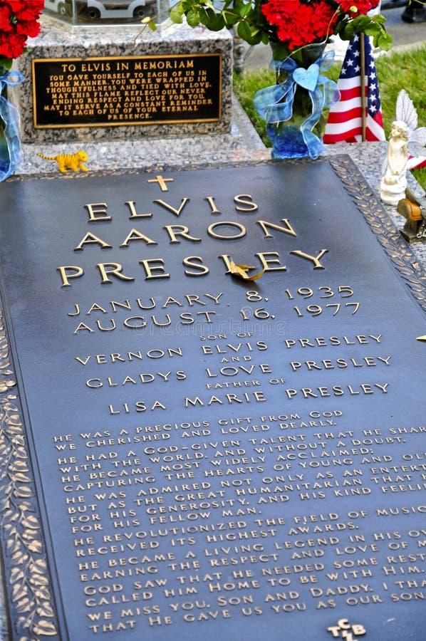 Место захоронения Elvis Presleys на Graceland стоковое фото rf