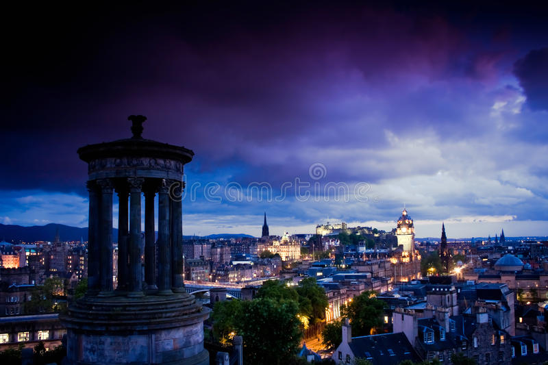 Место ночи города Эдинбург стоковые фотографии rf