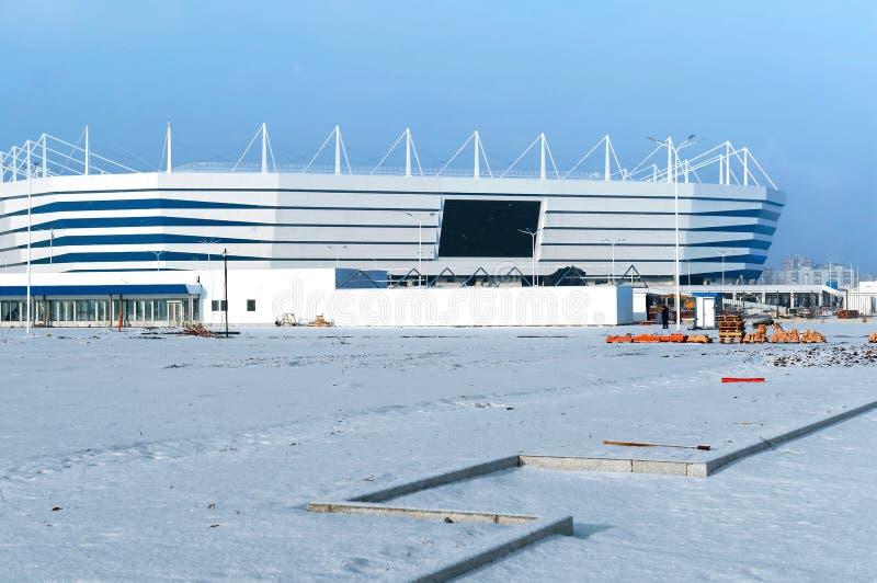 Место спорт, спорт конструкция, снег зимы футбольного стадиона стоковая фотография