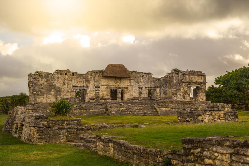 Место старого Майя Tulum археологическое в Юкатане Мексике стоковые изображения