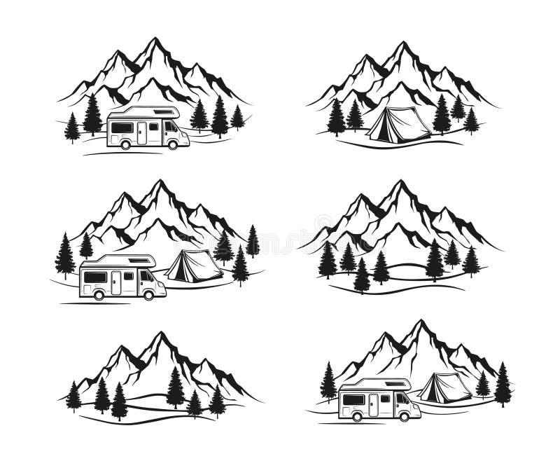 Место для лагеря с караваном туриста, шатром, скалистыми горами, ярлыками соснового леса, эмблемами, комплектом элементов значков иллюстрация штока