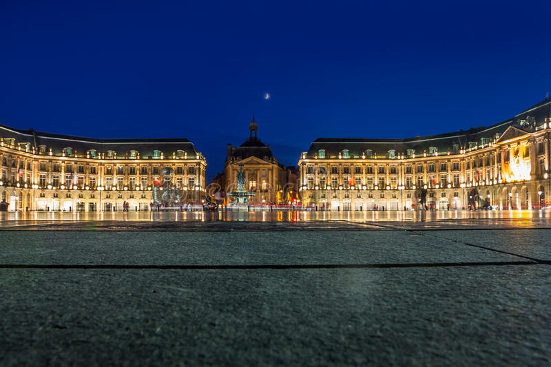 Место de Ла Фондовая биржа в городе Бордо, Франции стоковые фотографии rf