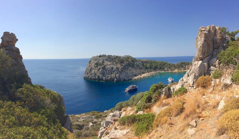 Место Faliraki Греции Родоса залива Энтони Куинн живописное стоковая фотография rf
