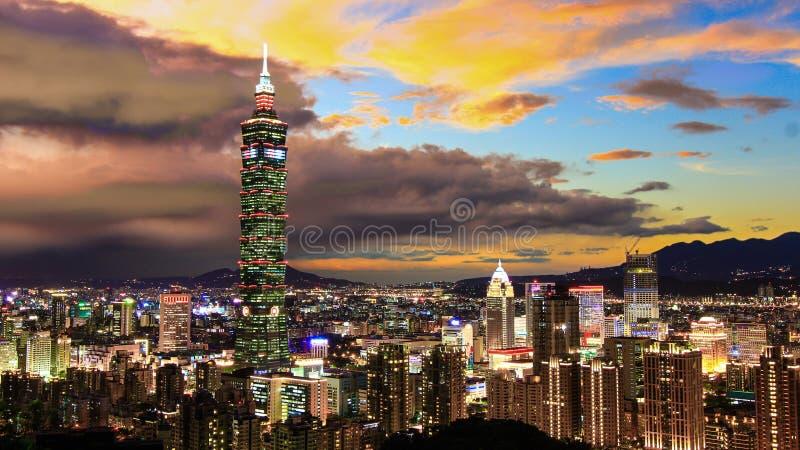 место taipei taiwan ночи стоковые фото