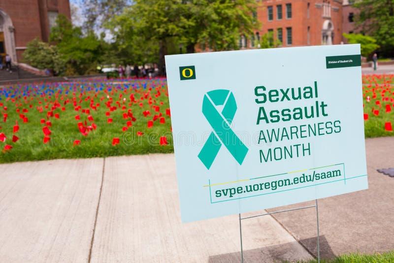 Месяц осведомленности сексуального нападения в университете  Орегона стоковая фотография rf