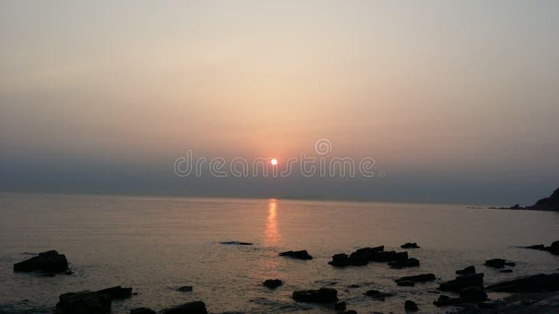 Месяц подъема моря стоковое фото rf