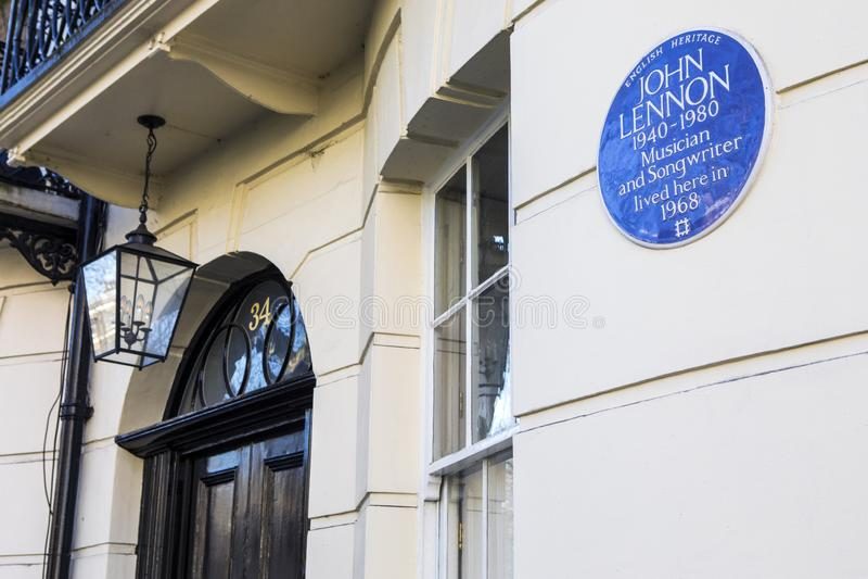 Металлическая пластинка Джон Леннон в Лондоне стоковое изображение rf